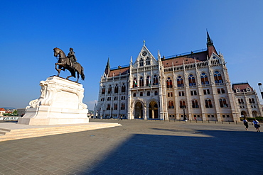 The Hungarian Parliament Building and statue of Gyula Andressy, Budapest, Hungary, Europe