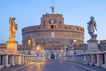 St. Angelo Bridge (Ponte Sant'Angelo) and Castel Sant'Angelo, UNESCO World Heritage Site, Rome, Lazio, Italy, Europe