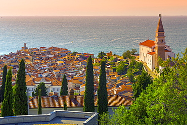 Old Town view with Church of St. George (Cerkev sv. Jurija), Piran, Primorska, Slovenian Istria, Slovenia, Europe