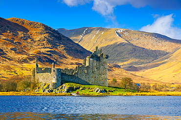 Kilchurn Castle, Loch Awe, Argyll and Bute, Scotland, United Kingdom, Europe