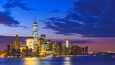 New York skyline, Manhattan, Lower Manhattan and World Trade Center, Freedom Tower across Hudson River, New York State, United States of America, North America