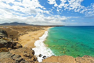View south over Charco de Guelde bay from the cliff tops at this northwest village, El Cotillo, Fuerteventura, Canary Islands, Spain, Atlantic, Europe