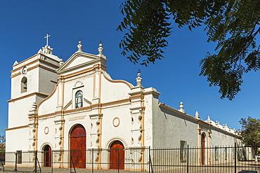 Parroquia de La Asuncion dating from 1750, late baroque church in the Parque Central near the Mercado Artesanias market, Masaya, Nicaragua, Central America