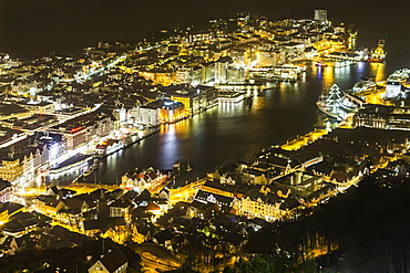 Night view of the city, Vagen Harbour and Puddefjord from the Mount Floyen funicular (Floibanen) station. Bergen, Hordaland, Norway, Scandinavia, Europe