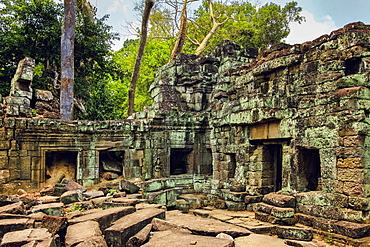 Enclosure in 12th century Preah Khan (Prrah Khan) Buddhist temple complex, saved from the jungle but left part ruined, Angkor, UNESCO World Heritage Site, Siem Reap, Cambodia, Indochina, Southeast Asia, Asia