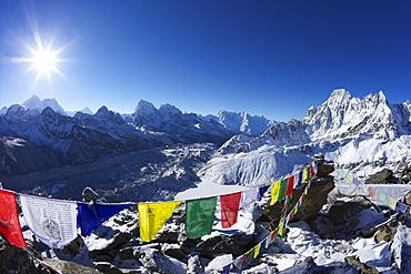Sunrise on Mount Everest from Gokyo Ri, with Ngozumba Glacier, Dudh Pokhari, Solukhumbu District, Sagarmatha National Park, UNESCO World Heritage Site, Nepal, Himalayas, Asia