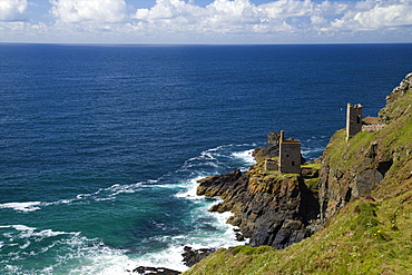 Crowns Mine, Botallack, UNESCO World Heritage Site, West Penwith, Cornwall, West Country, England, United Kingdom, Europe