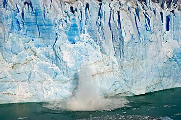 Ice breaks down from the glacier Perito Moreno, National Park Los Glaciares, Argentina, Patagonia, South America