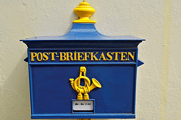 Old letter box, Schnoor Viertel, old part of town, Bremen, Germany