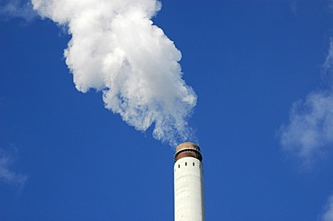 Smoking chimney in front of a blue sky, environment, pollution, emission value, Ruhr Area, Ruhr Basin, Gelsenkirchen, Nordrhein Westphalia, Ruhr district, Germany