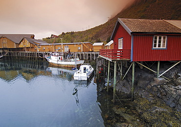 Fishing lodges, fishing settlement in Reine, Lofoten, Norway, Scandinavia, Europe