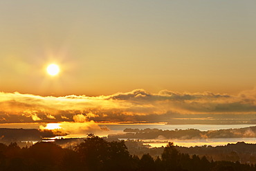 Sunrise on lake Chiemsee, view from Ratzinger Hoehe, Chiemgau, Upper Bavaria, Bavaria, Germany, Europe