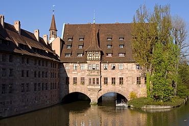 Nuremberg Heilig-Geist-Spital Pegnitz river Franconia Bavaria Germany