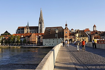Stone Bridge ( Steinere Brücke ) , Cathedral , Old Town Skyline , Danube river , Regensburg , Upper Palatinate Bavaria Germany