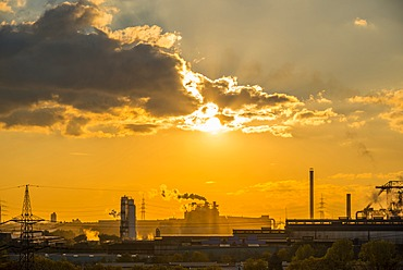 Huckingen Power Plant, Hüttenheim, Duisburg, Ruhr Area, North Rhine-Westphalia, Germany, Europe