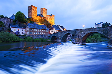 Old Lahn Bridge at dusk, Lahn river, Runkel an der Lahn, Hesse, Germany, Europe