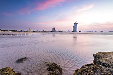Luxury hotel Burj al Arab and Jumeirah Beach, Burj al 'Arab, Tower of the Arabs, Dubai, Emirate of Dubai, United Arab Emirates, Asia