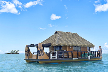 House boat, South Pacific, Raiatea, French Polynesia, Oceania