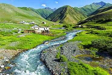Settlement along a mountain river Naryn, Naryn gorge, Naryn Region, Kyrgyzstan, Asia