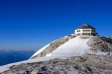 Matra House on the top of the Hochkonig, High King, 2941m, Berchtesgaden Alps, Salzburg, Austria, Europe