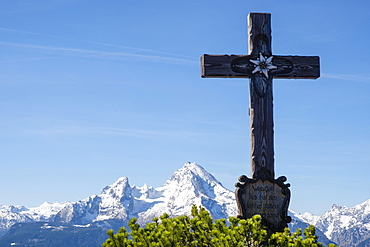 Summit cross of the Kneifelspitze, Watzmann, Berchtesgaden, Berchtesgaden National Park, Berchtesgadener Land, Bavaria, Germany, Europe