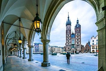 Market square with St. Mary's Basilica, Krakow, Poland, Europe