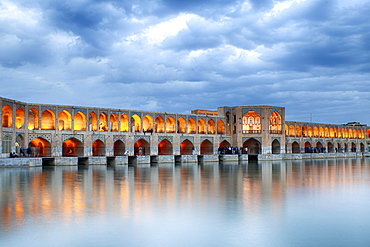 Illuminated Khaju Bridge, Pol-e Ch?dschu Bridge, Isfahan, Iran, Asia