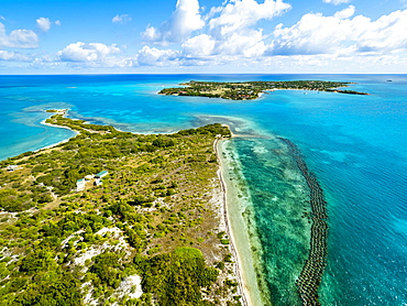 Maiden Island with fish traps, Long Island behind, West Indies, Caribbean, Antigua and Barbuda, Central America