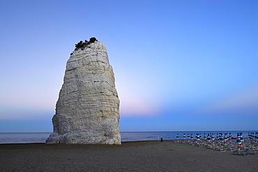 Pizzomunno, limestone cliffs on the beach, landmark of Vieste, Gargano, Foggia Province, Apulia, Italy, Europe