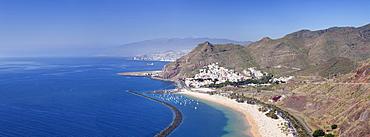 Beach Playa de las Teresitas, San Andres, view on Santa Cruz and the Teide, Tenerife, Canary Islands, Spain, Europe