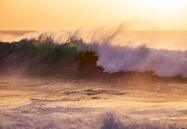 Ocean waves, evening light, Atlantic, Valle Gran Rey, La Gomera, Canary Islands, Spain, Europe