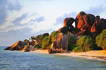 Granite rocks on Anse Source d'Argent beach, La Digue Island, La Digue and Inner Islands, Seychelles, Africa - 832-381643