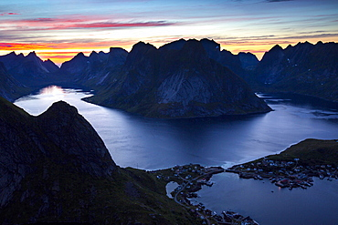 View from Reinebringen, Reinebriggen, 442m, midnight sun, Hamnoy, Reine and Reinefjord with mountains, Moskenes, Moskenesøy, Lofoten, Norway, Europe