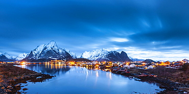 Fishing village Reine in winter, Reinefjord, Moskenesøy, Lofoten, Norway, Europe