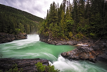 Overlander Falls Waterfall, Fraser River, Mount Robson Provincial Park, British Columbia, Canada, North America