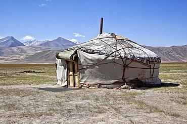 Yurt on the Pamir Highway M41, Gorno-Badakhshan Autonomous Province, Tajikistan, Asia