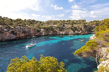 Sailing boat in the bay, Cala Pi, Majorca, Balearic Islands, Spain, Europe