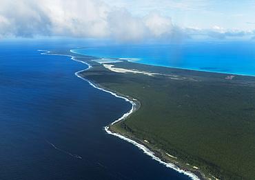 Coastline, Ouvea island, New Caledonia, Oceania