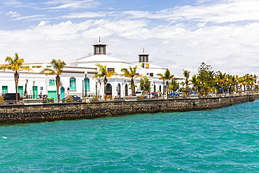 Waterfront with Av. Olaf Palme with the City Council of Arrecife, Arrecife, Lanzarote, Canary Islands, Spain, Europe
