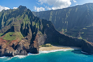 Rugged Na Pali coast, aerial view, Kaua'i, Hawai'i, Polynesia