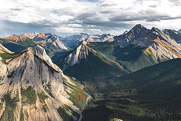 Panoramic view of mountain landscape, peaks with orange sulphur deposits, untouched nature, Sulphur skyline, near Miette Hotsprings, Jasper National Park, British Columbia, Canada, North America