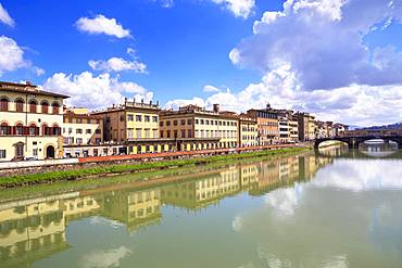 Florence old district on Arno river including Santa Trinita and Ponte Vecchio bridges, Florence, Tuscany, Italy, Europe