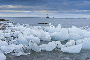 ice floes from glacier at coast, Hornsund, Svalbard, Arctic, Norway, Europe