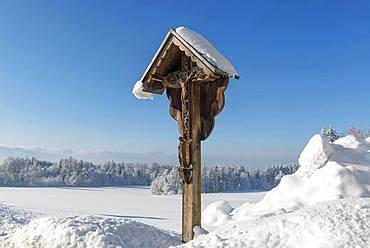 Way cross near Peretshofen, municipality of Dietramaszell, Upper Bavaria, Bavaria, Germany, Europe