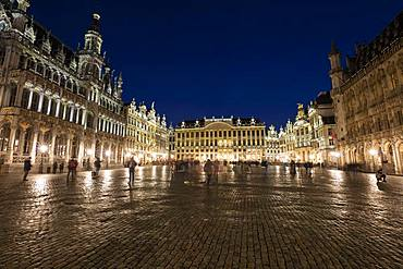 Town Hall, House of the Dukes of Brabant, Guild houses, Grand Place, Grote Markt, Evening twilight, Brussels, Belgium, Europe