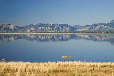 View from Antelope Island State Park over the Great Salt Lake, Utah, USA, North America