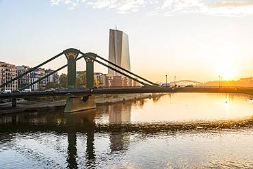 European Central Bank, ECB with raft bridge, sunrise, Frankfurt am Main, Hesse, Germany, Europe