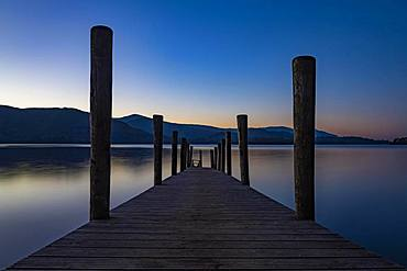 Lake Derwentwater with jetty at sunset, Keswick, Yorkshire Dales National Park, Central England, Great Britain