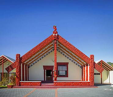 House of Maori with traditional, artistic wood carving, Whakarewarewa, Rotorua, Bay of Plenty, North Island, New Zealand, Oceania