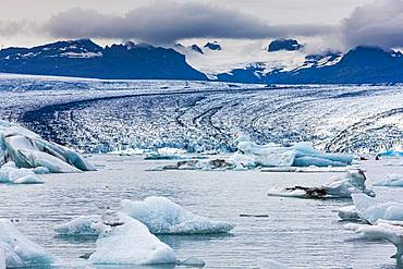Icebergs in the glacier lagoon of glacier Vatnajoekull, Joekulsarlon, southern Iceland, Iceland, Europe